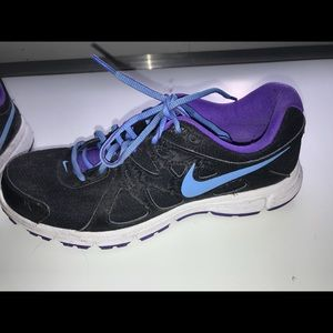 Nike size 10 black and purple sneakers